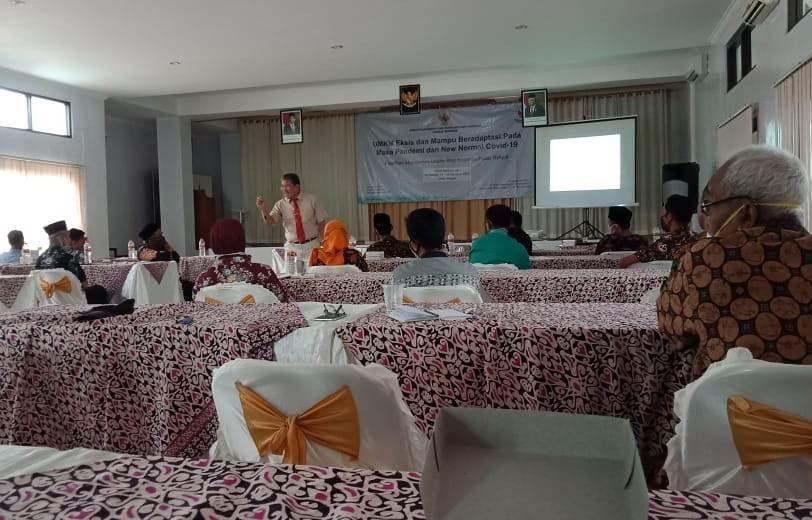 Pelatihan Managemen Usaha Bagi Koperasi Pasar Rakyat